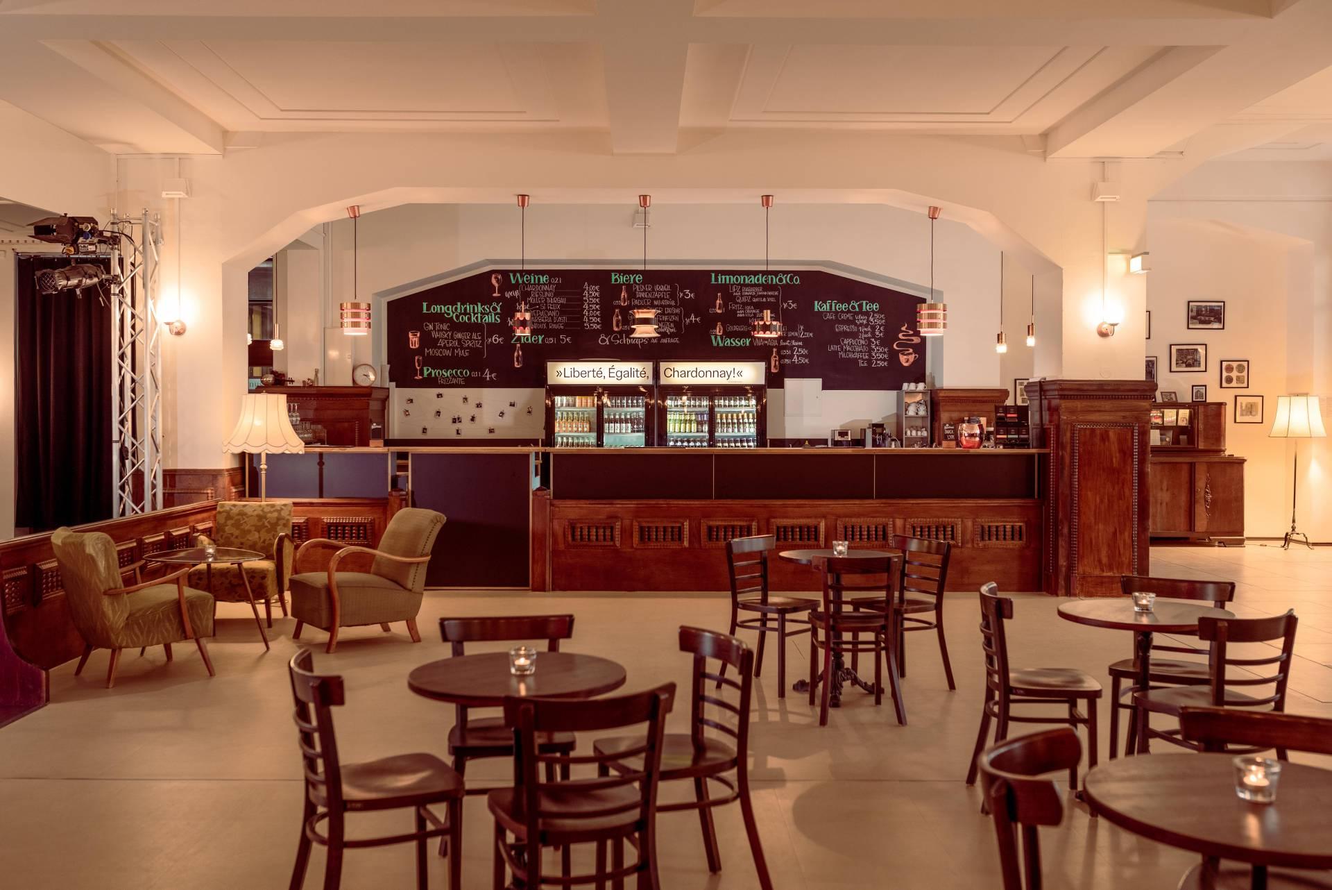 Bar und Bistro (Bar und Bistro)